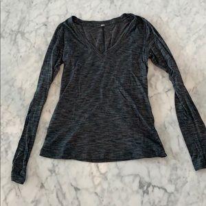 Lululemon long sleeve gray shirt size 4